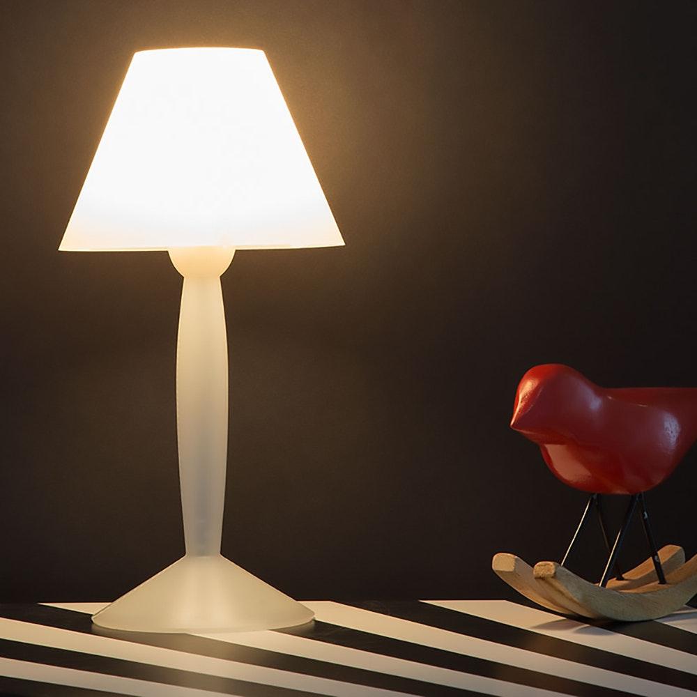 FLOS Miss Sissi Tischlampe Weiß 1