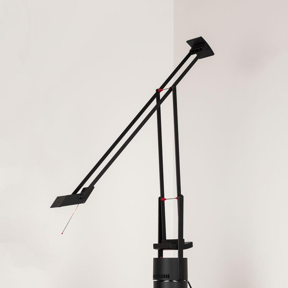 Artemide Tizio 50 Schreibtischlampe Schwarz