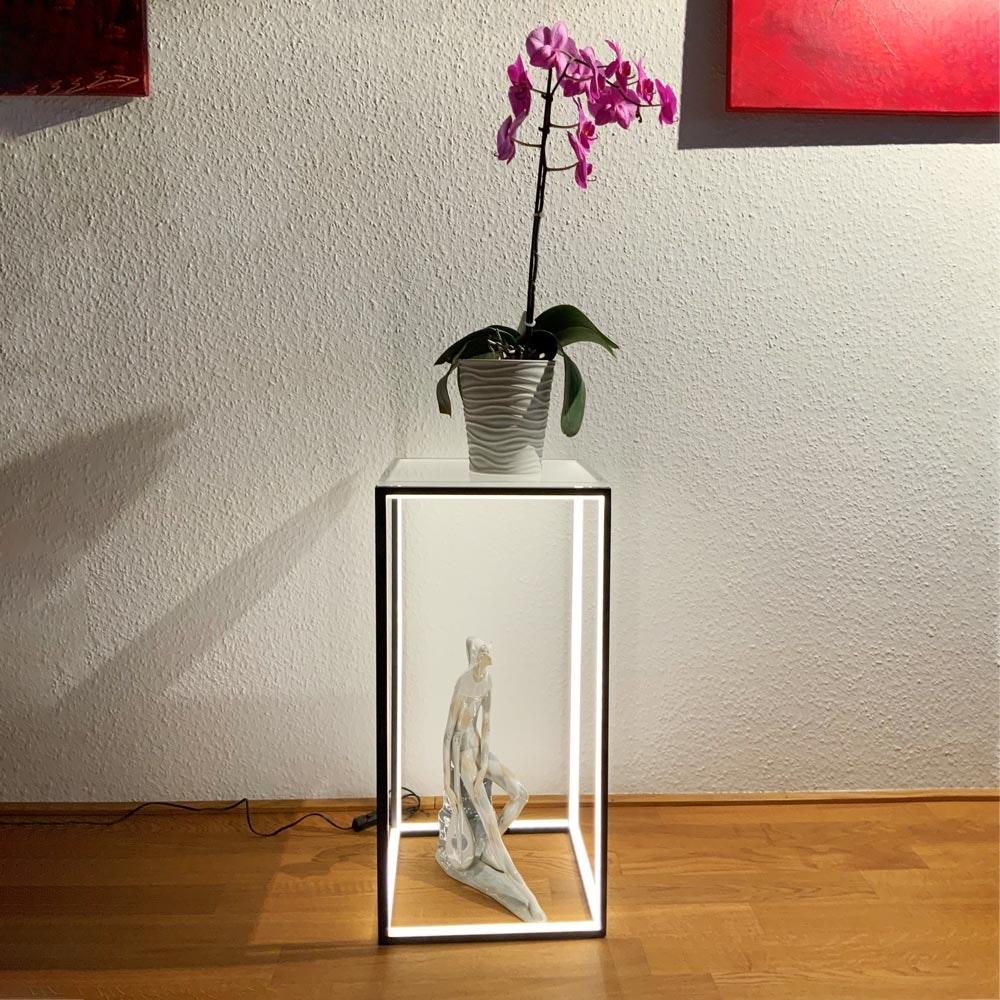 LED Beistelltisch Delux 30 x 60cm Schwarz mit Glasplatte 3