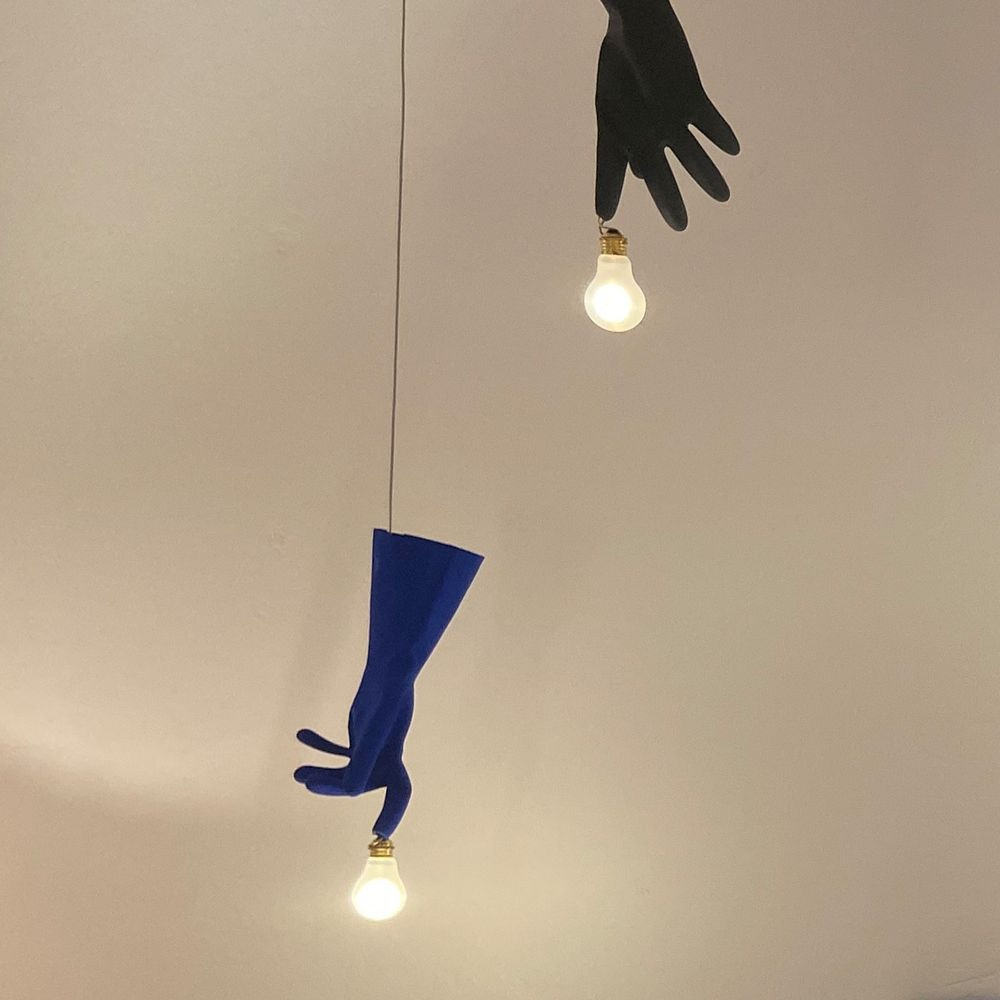 Ingo Maurer LED Pendellampe Blue Luzy Gummihandschuh 2