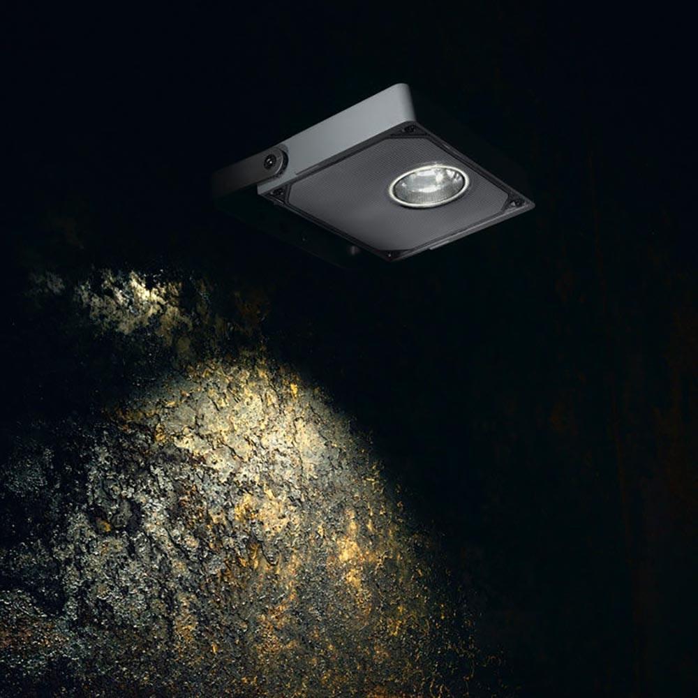IVELA LED Außen-Scheinwerfer Maxilito Power IP66 9900lm Schwarz 1