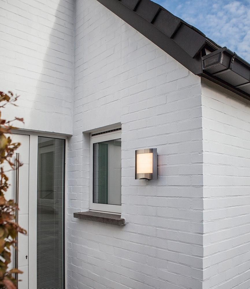 LED Außenleuchte Farell mit Sensor IP44 Edelstahl 3