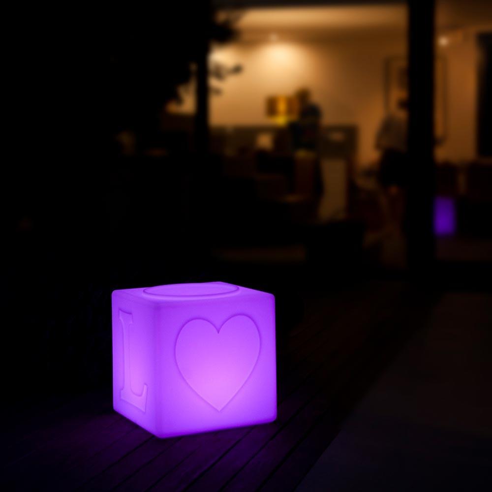 Schwimmfähiger Akku-LED-Lichtwürfel The Love thumbnail 4