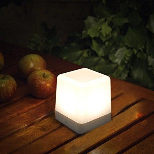 Dimmbare Solar-Tischleuchte Table-Cube IP44 Weiß 1