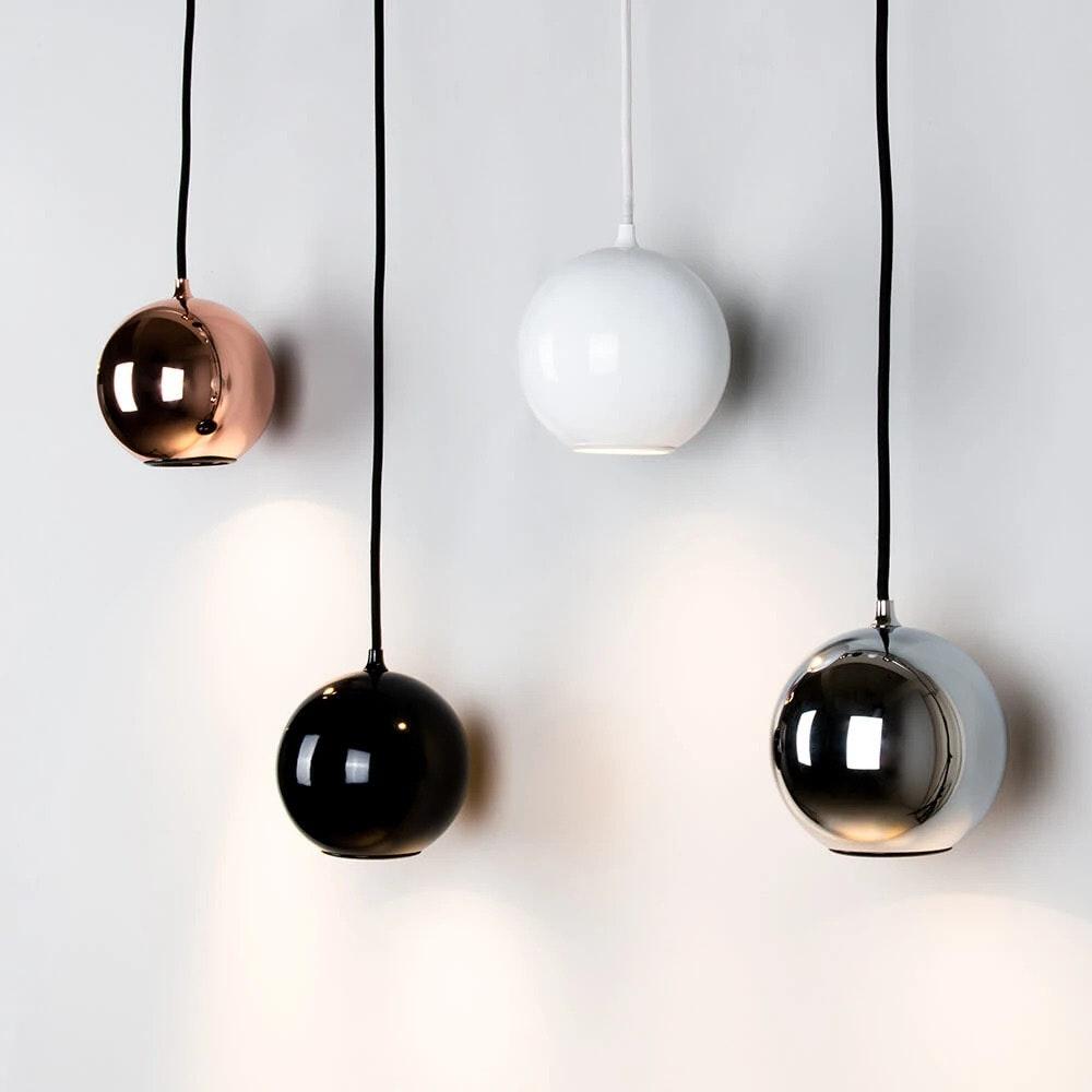 Hängeleuchte Boule rund aus Edelstahl Kugelförmig