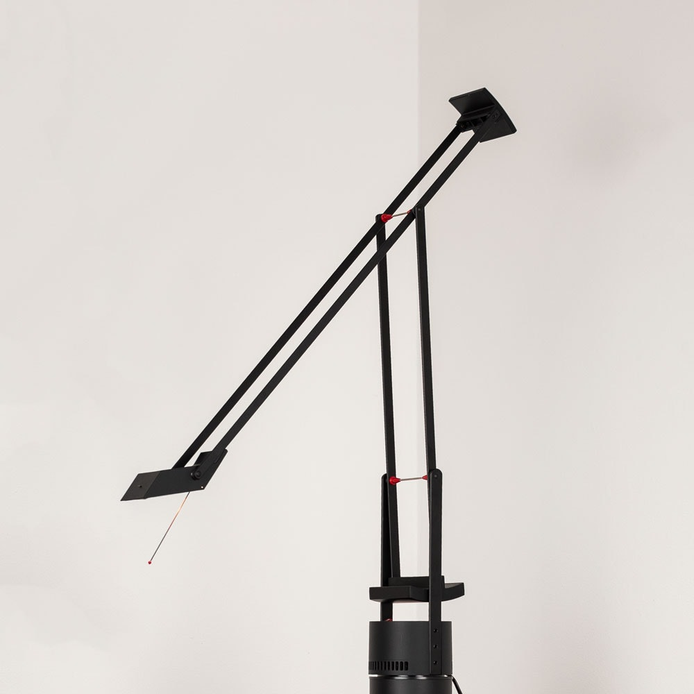 Artemide Tizio 50 Schreibtischlampe Schwarz 1