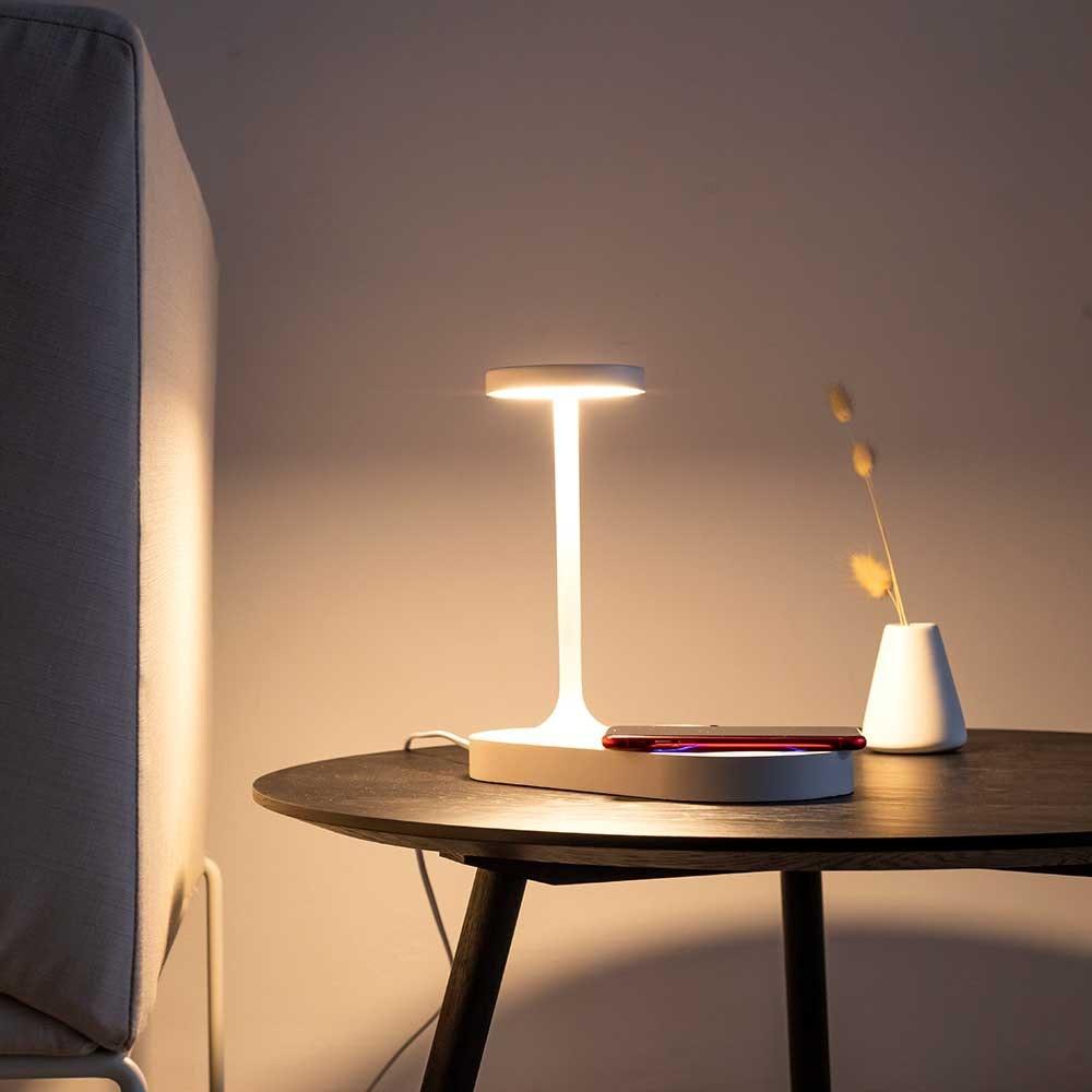 Mantra Ceres LED-Tischleuchte mit Induktionsladegerät 7