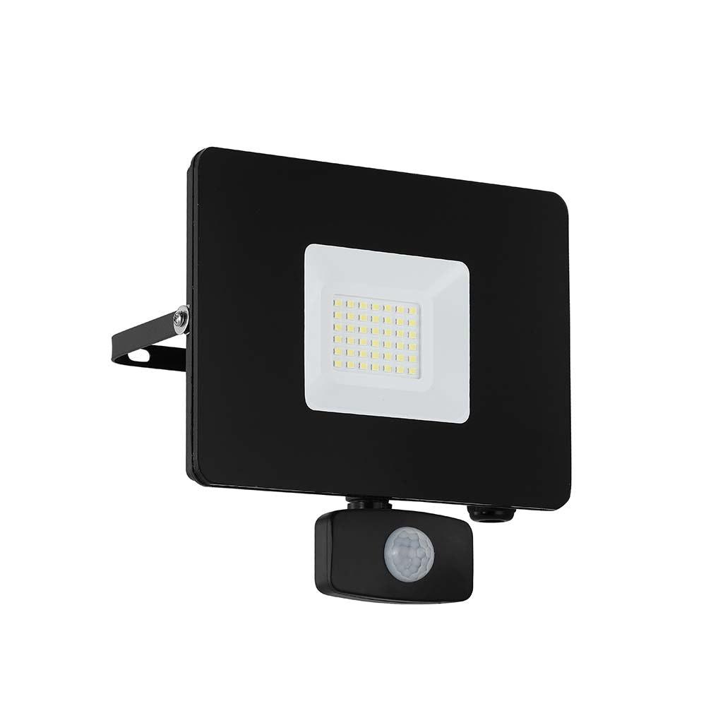 LED Aussenstrahler Faedo3 30W mit Sensor Schwarz