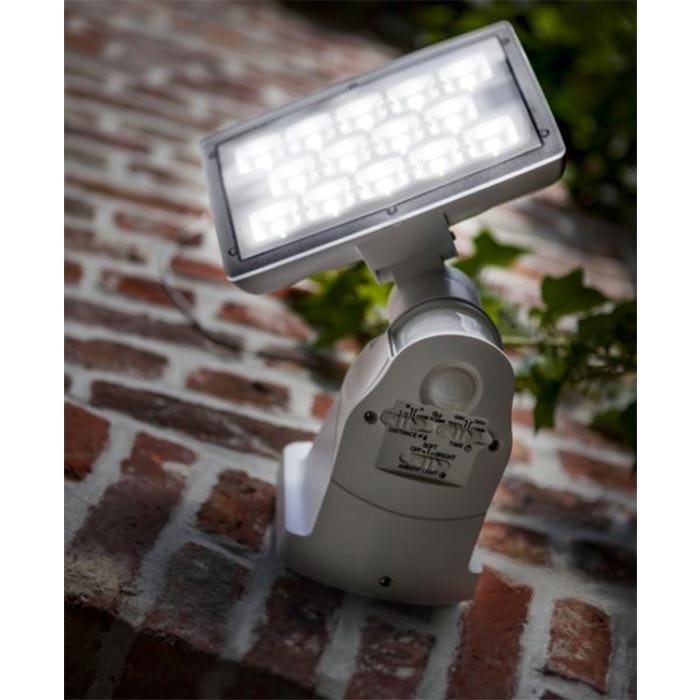 Lutec LED Aussenwandleuchte Peri IP54 1710lm Weiß 1