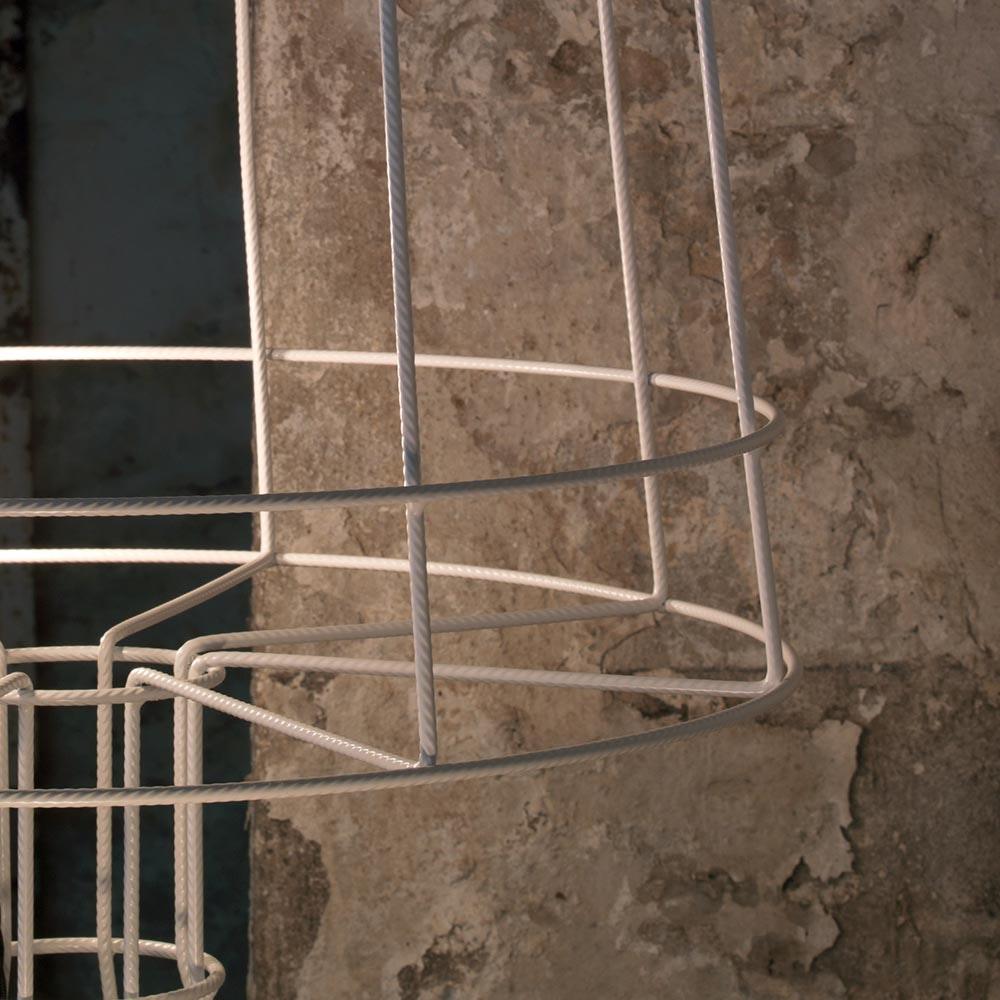 Karman Sisma Stehleuchte aus Metall-Streben thumbnail 5