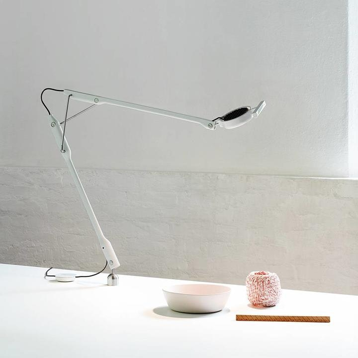 Luceplan Tivedo LED Büro-Tischlampe mit Präsenzsensor 3000K thumbnail 4