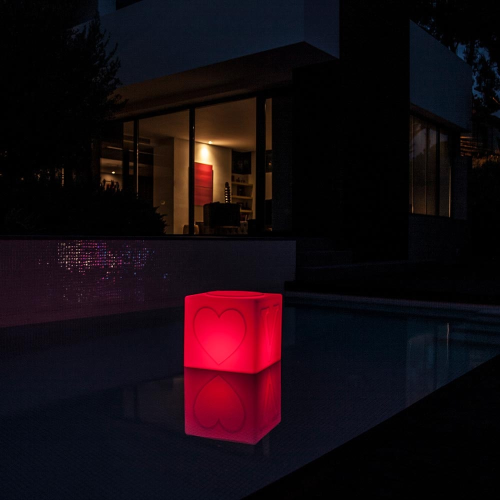 Schwimmfähiger Akku-LED-Lichtwürfel The Love thumbnail 5