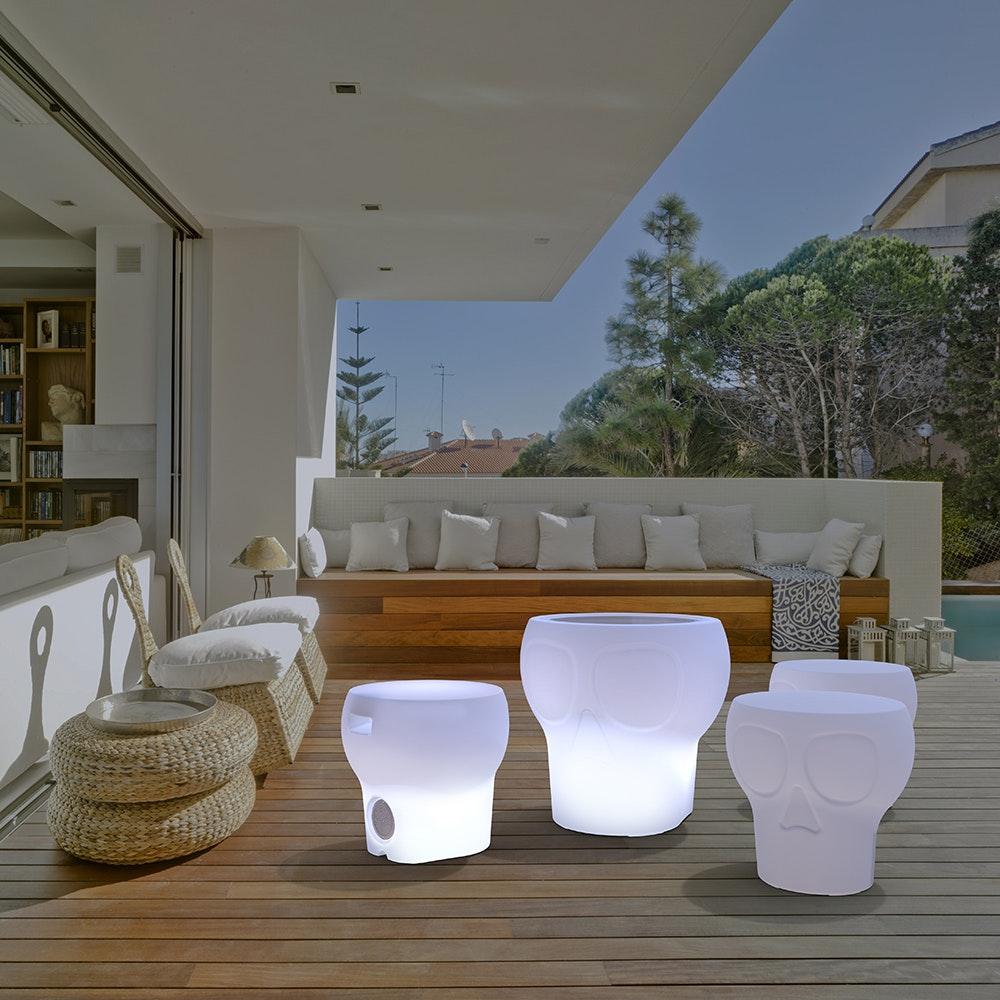 Licht-Trend Calvin LED Sitzleuchte in Totenkopf-Design mit Fernbedienung 2