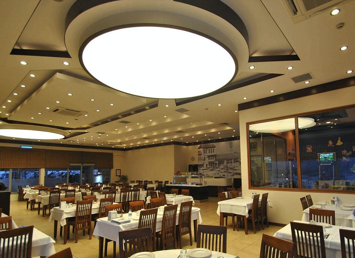 Runde Lichtdecke für Restaurants