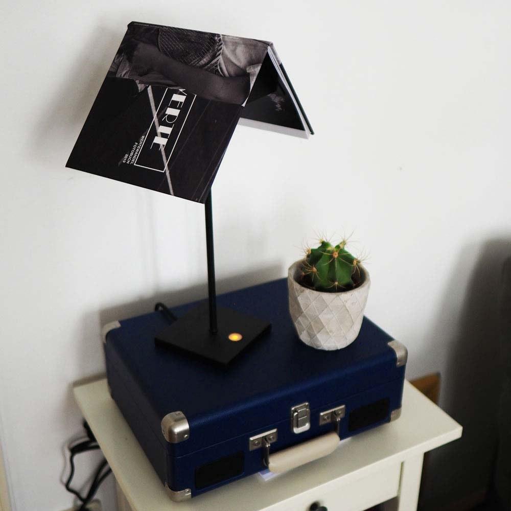 s.LUCE Book Buchständer Tischleuchte mit Touchdimmer & Sensor 15