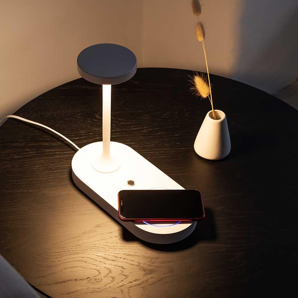 Mantra Ceres LED-Tischleuchte mit Induktionsladegerät 2
