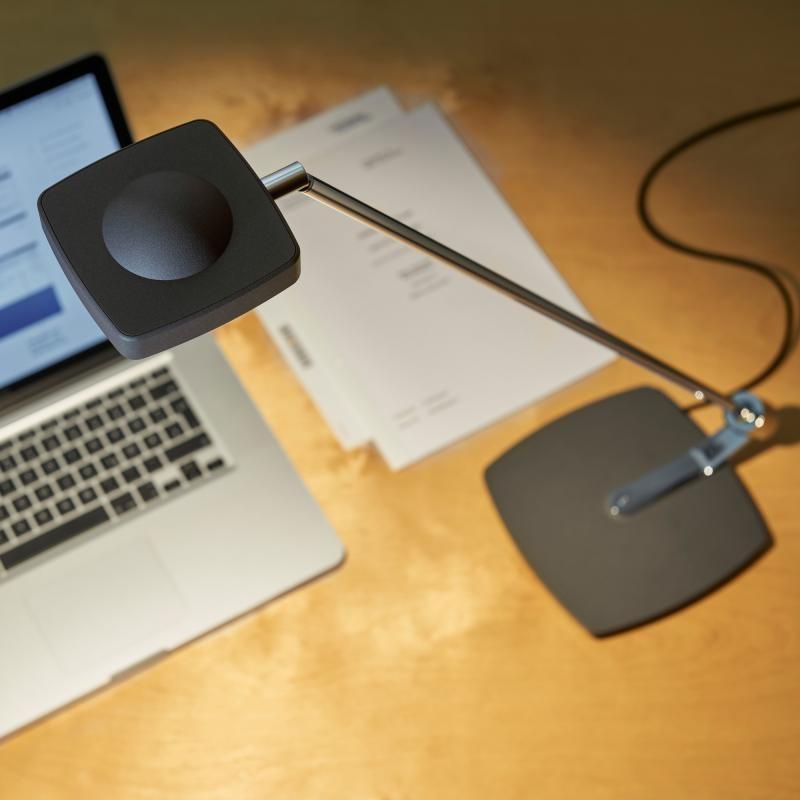 Oligo dimmbare LED Schreibtischleuchte Kelveen 90° Graphit 3