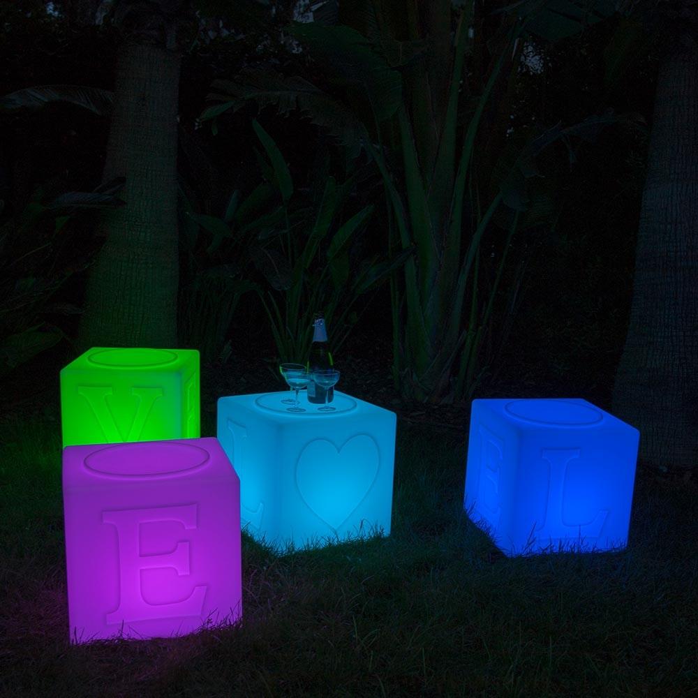 Schwimmfähiger Akku-LED-Lichtwürfel The Love 2