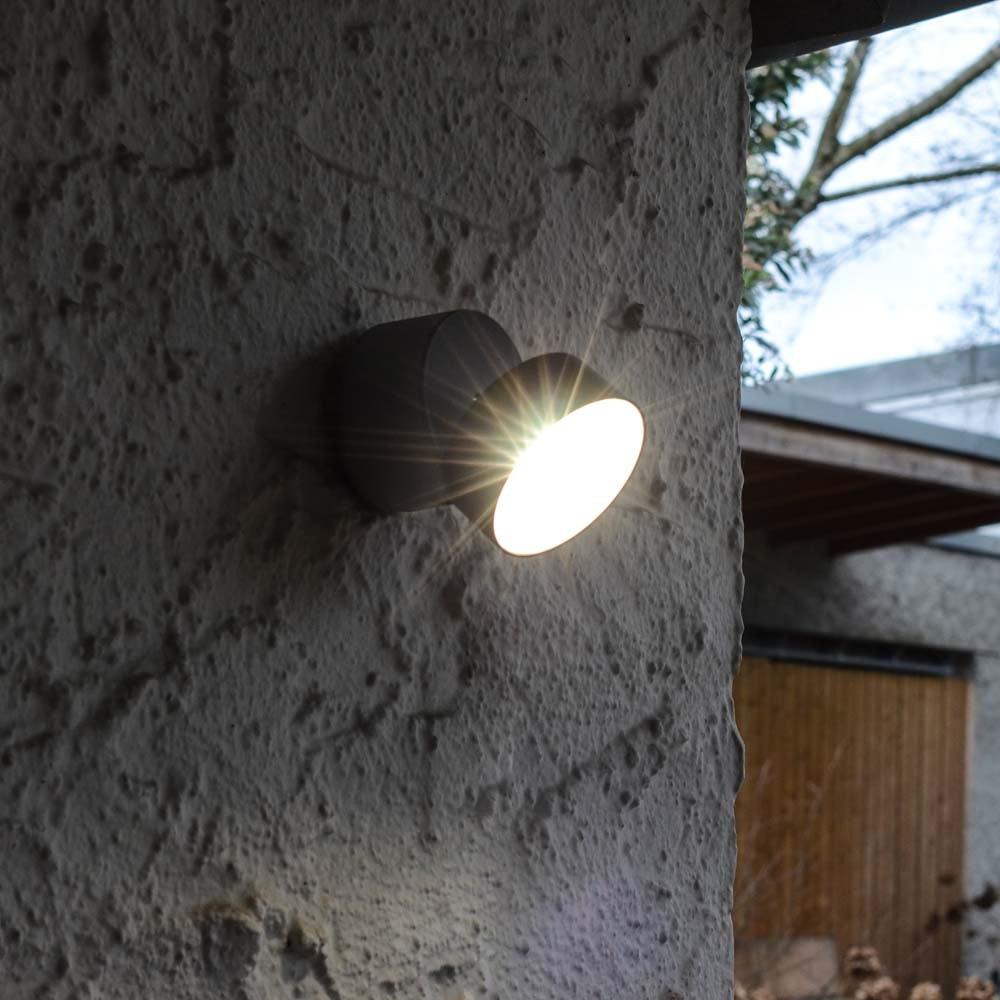 Trumpet L 90° schwenkbare LED-Außenwandleuchte IP54 Anthrazit 1