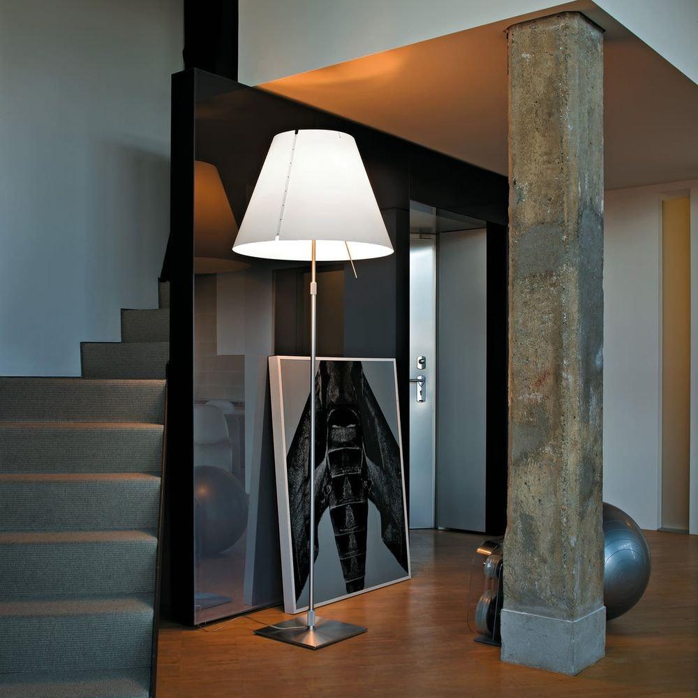 Luceplan Stehlampe Grande Costanza mit Sensor-Dimmer 1