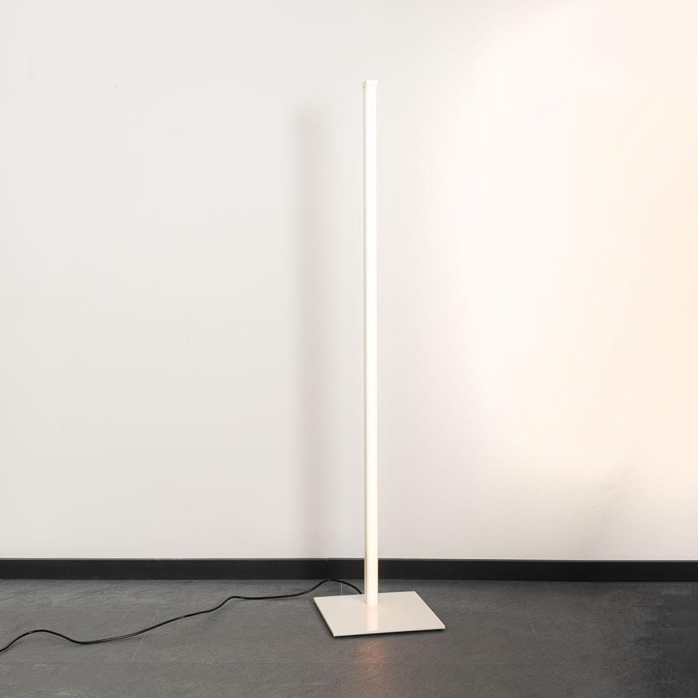 Sting RGB minimalistische LED-Stehleuchte 2