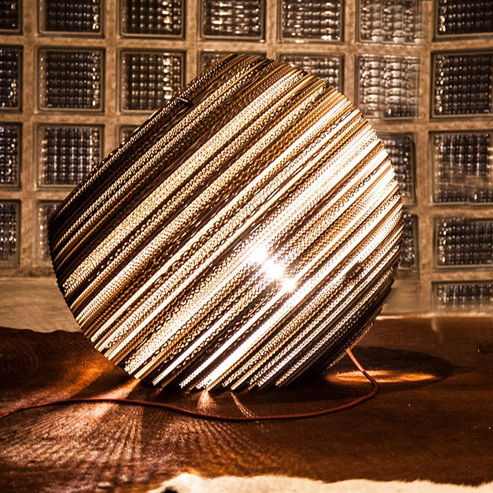 Think Paper Globe Bodenleuchte aus Pappe 2