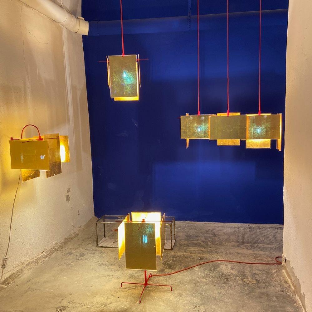 Ingo Maurer Stehleuchte 24 Karat Blau Floor goldenes Licht 2