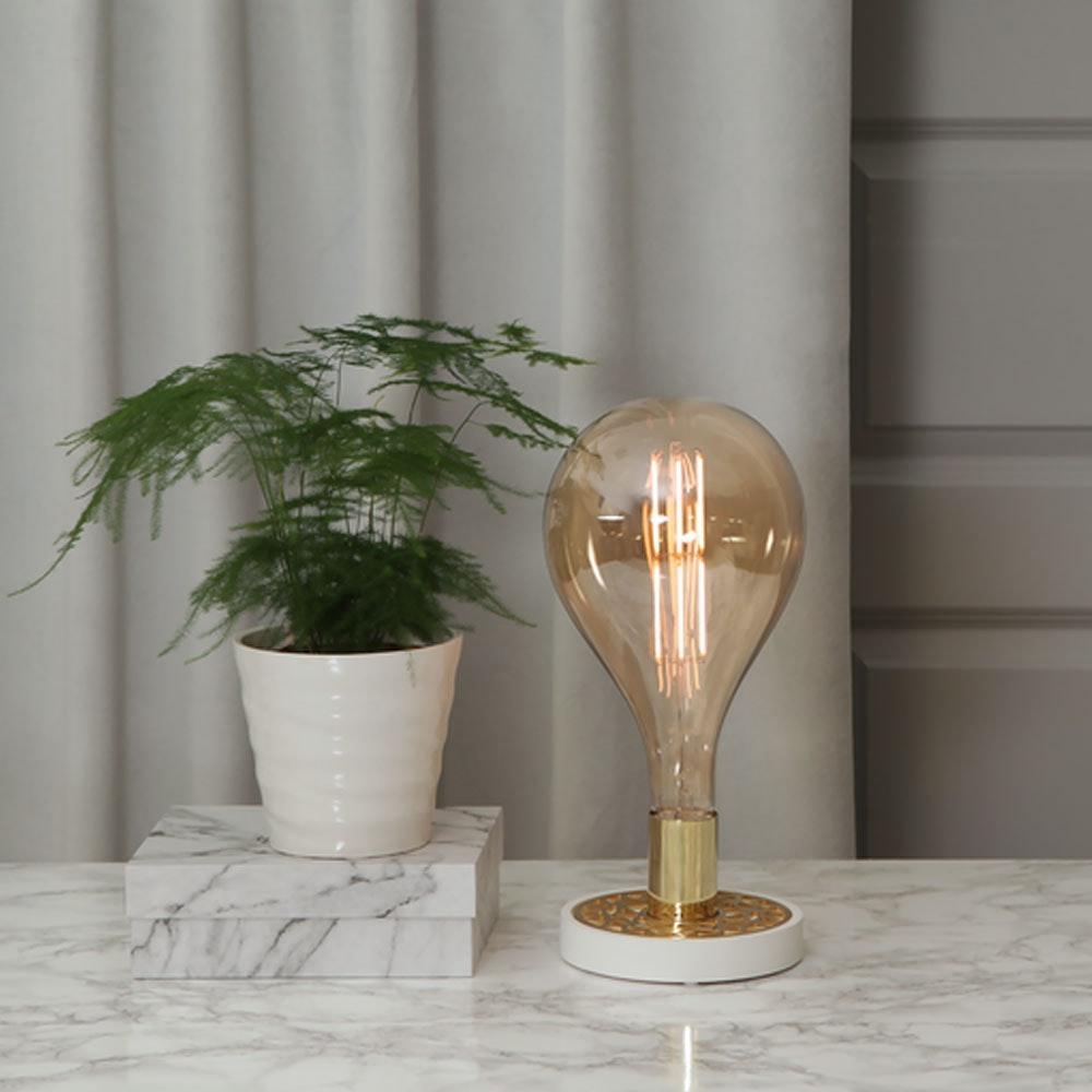 Tischlampe für E27 Leuchtmittel in Weiß und Goldfarben 7