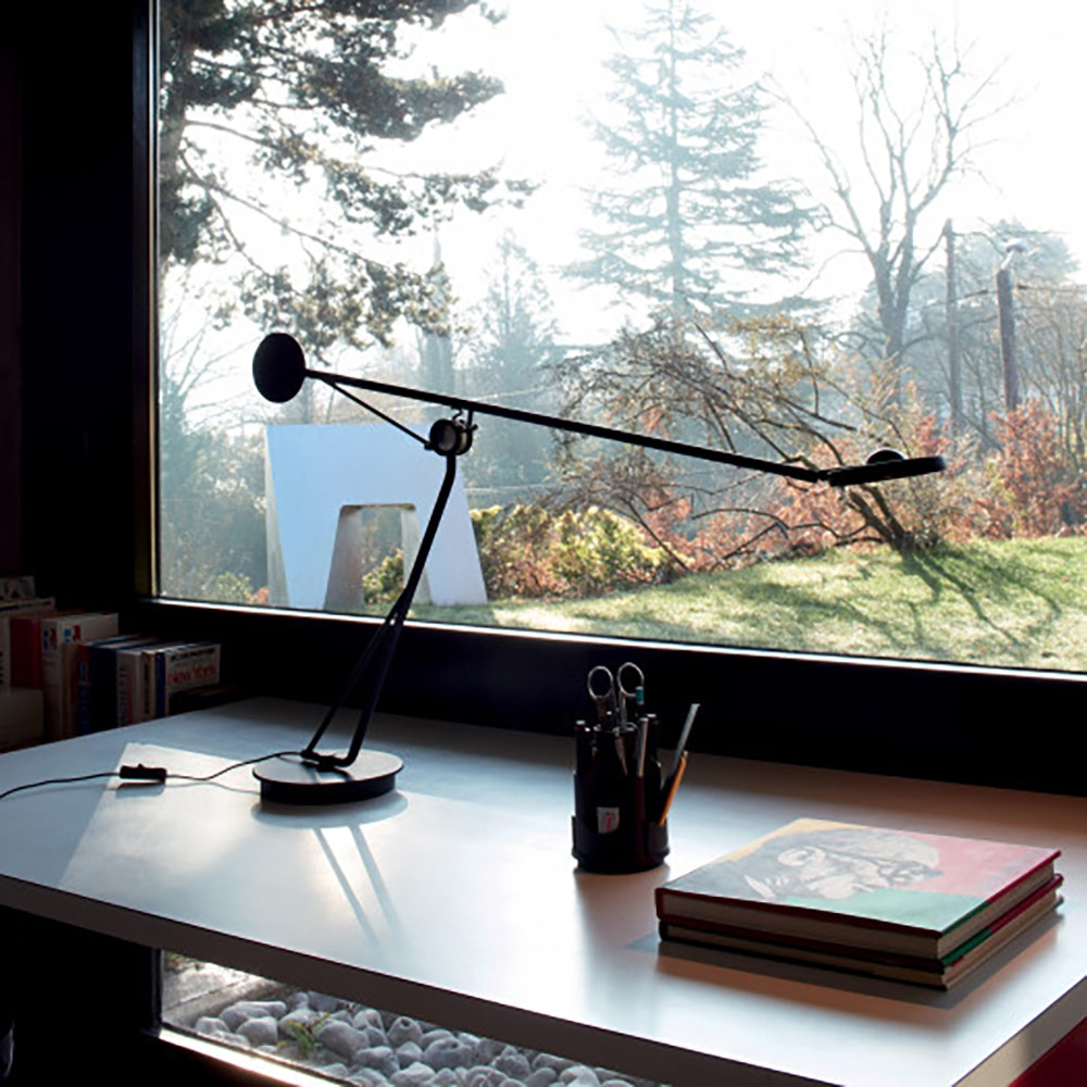 DCW Aaro LED Tischleuchte schwenkbar Schwarz 1