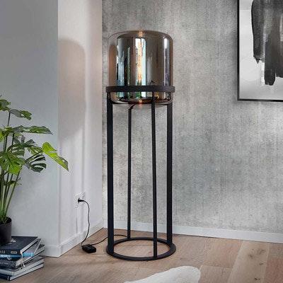 Chromfarbene Designer-Stehlampe mit modernem Stil