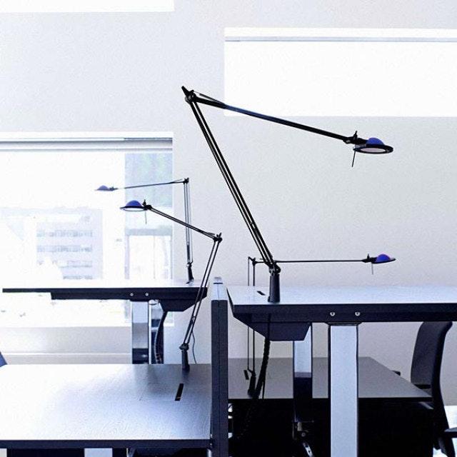 Luceplan Berenice Schreibtischlampe mit Befestigungsstift 1