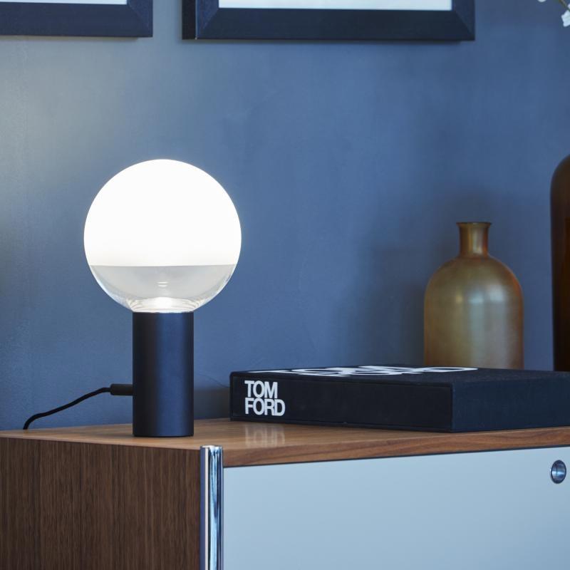 Oligo dimmbare LED Tischlampe Kuula Schwarz