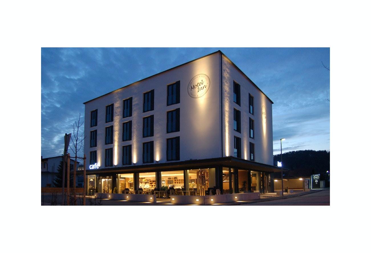 Fassadenbeleuchtung Motel