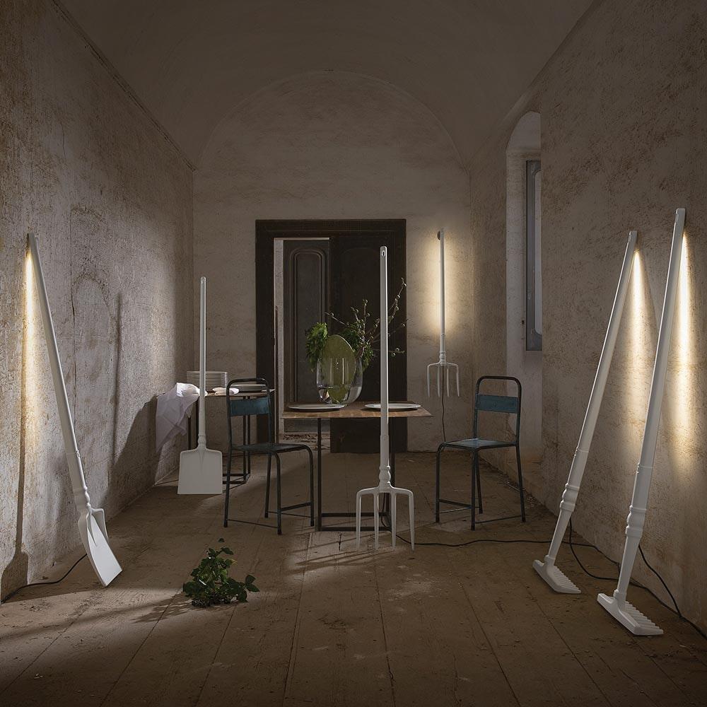Karman Tobia LED Stehleuchte Heugabel Weiß 2
