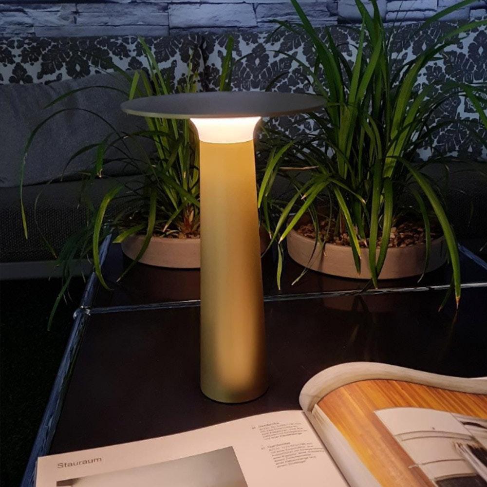 IP44.de LED Akku-Tischlampe Lix IP44 2