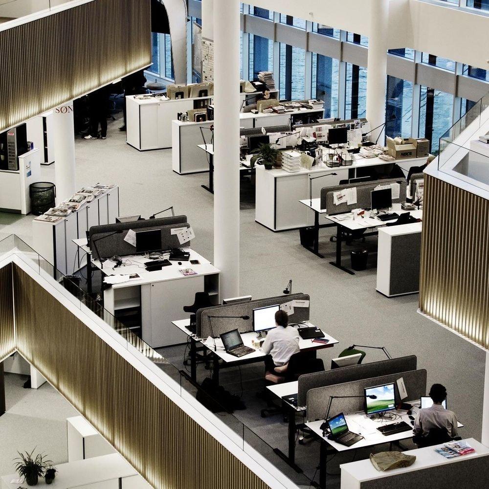 Luceplan LED Schreibtischleuchte Berenice mit Befestigung thumbnail 4
