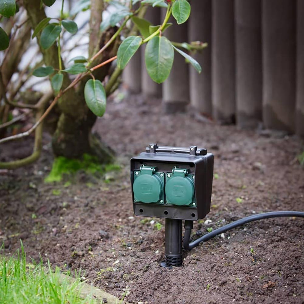SLV 4-Fach Gartensteckdose IP44 mit 1,4m Zuleitung 3