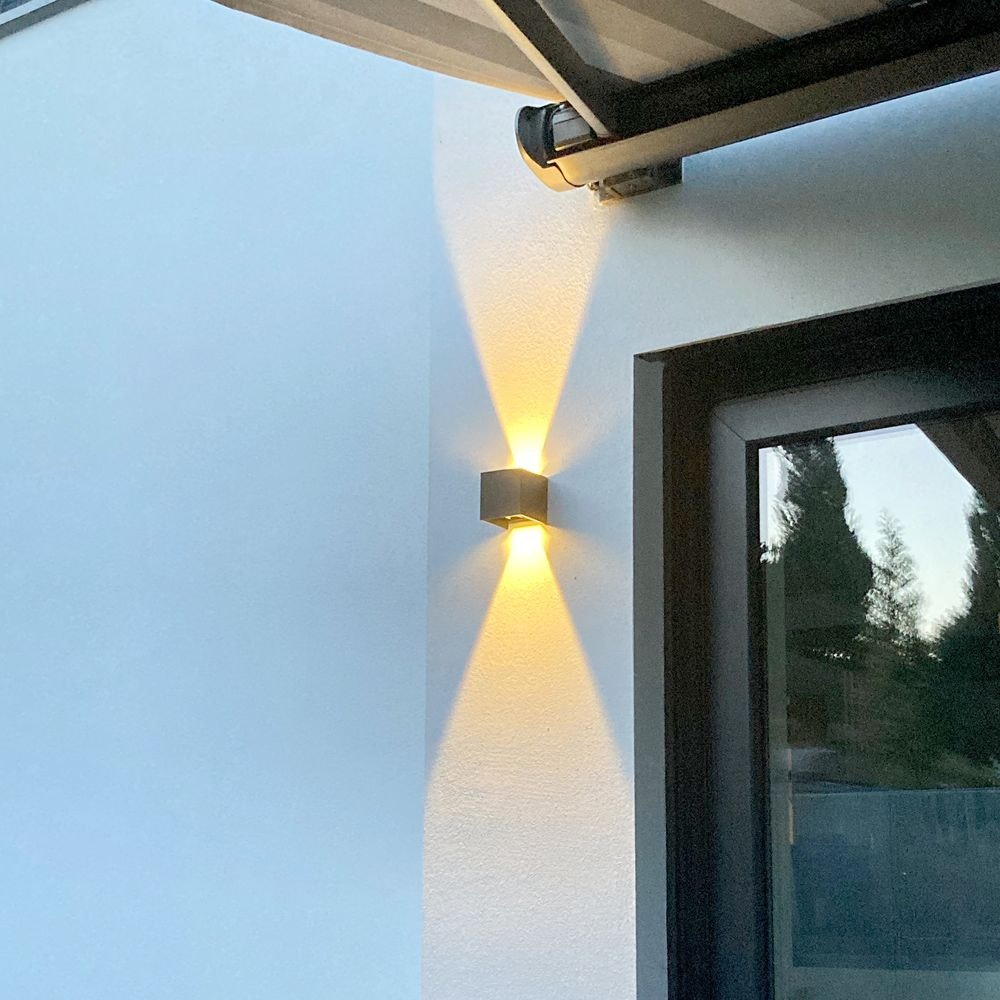 s.LUCE pro Ixa LED Innen- & Außen-Wandleuchte IP44 24