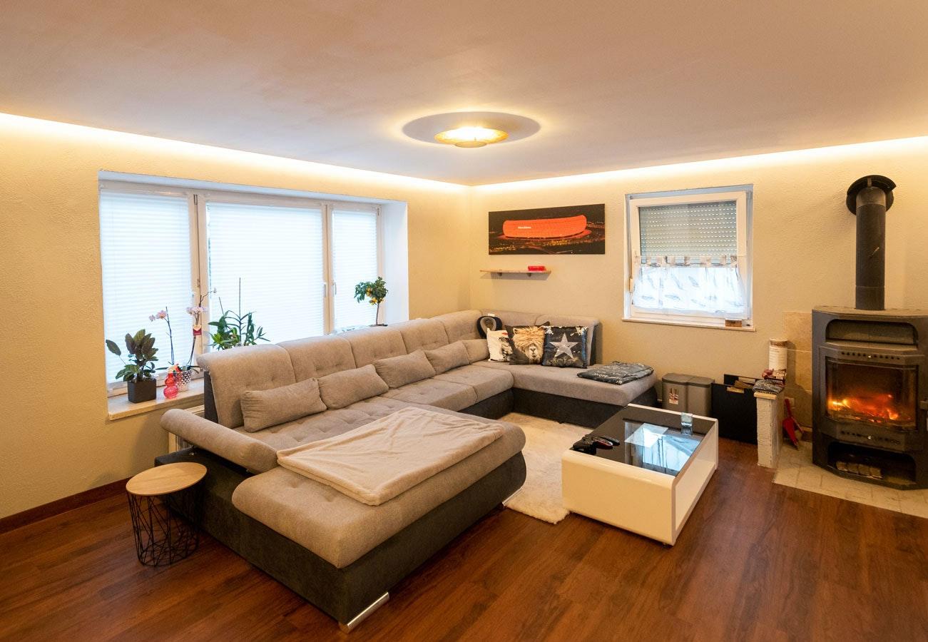 Deckenleuchte Wohnbereich gold