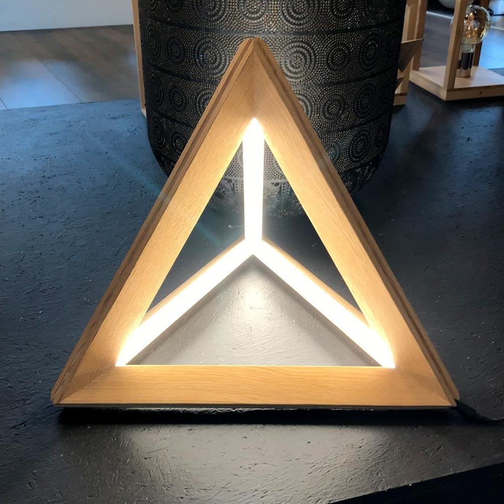 LED Tischleuchte Trigonon 2500lm Eiche-Geölt 1