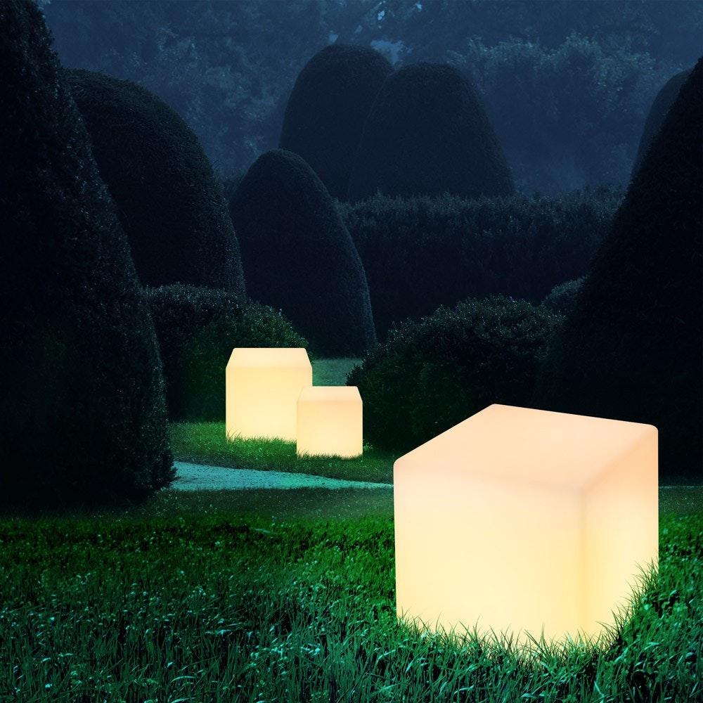 Cavez Leuchtwürfel 30 x 30cm Außenleuchte aus Kunststoff 1