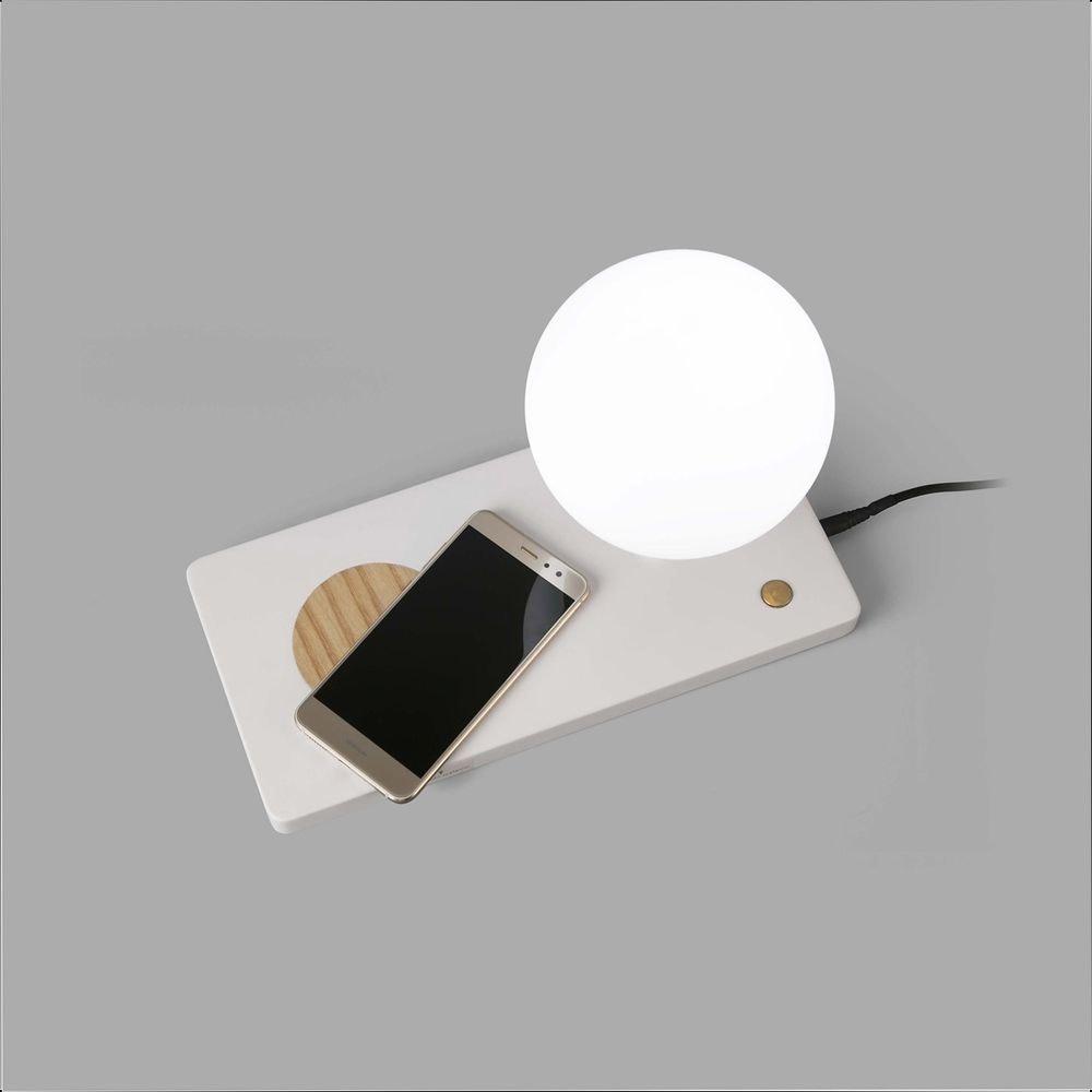 LED Tischleuchte NIKO mit induktiver Handy Ladestation 2
