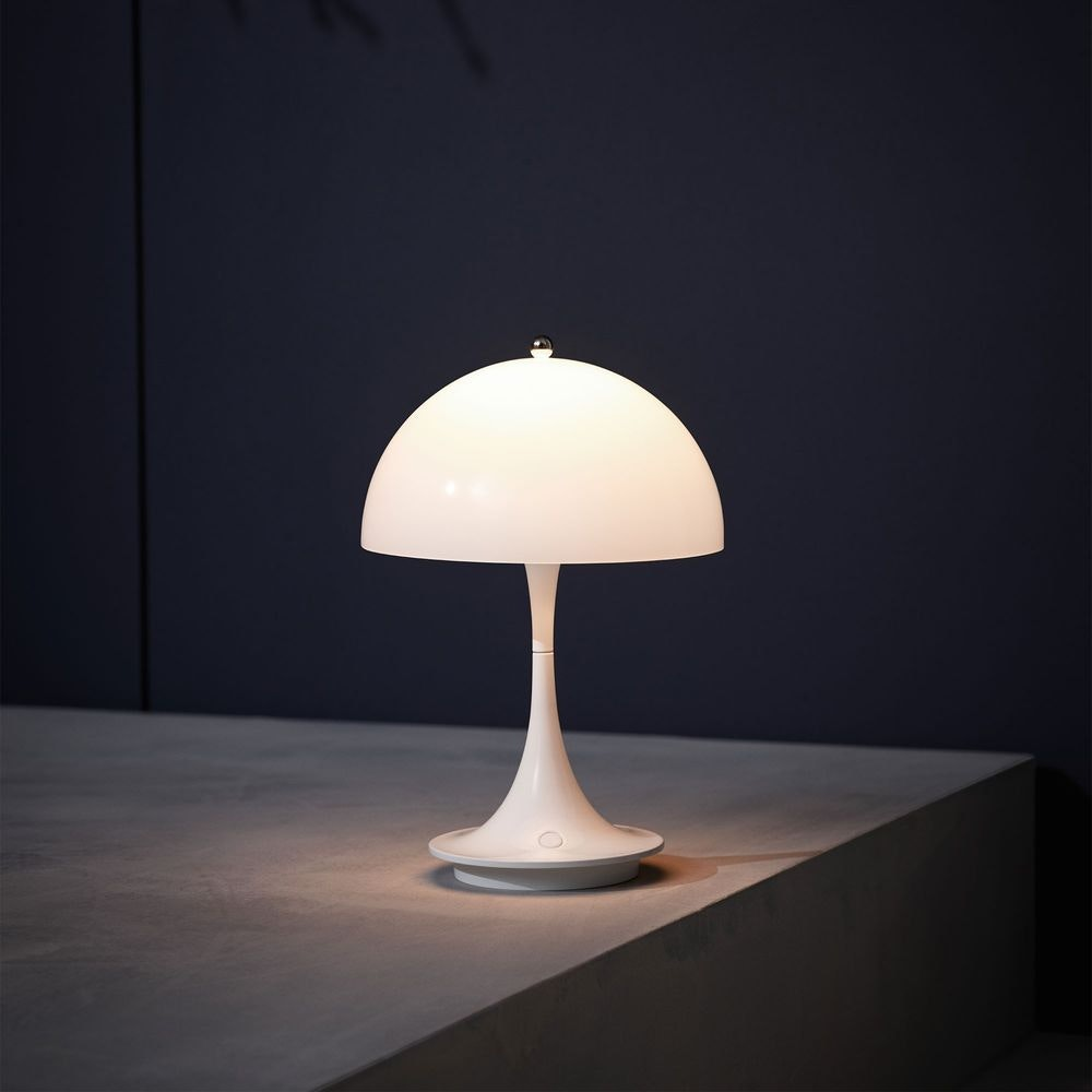 Louis Poulsen LED Akku-Tischlampe Panthella Portable