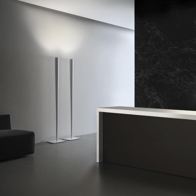 Panzeri Line konischer LED Deckenfluter 1