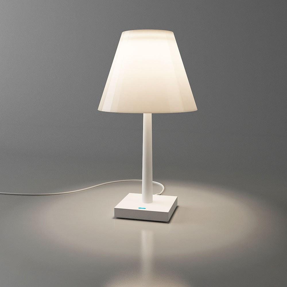 Dina+ Akku LED-Tischleuchte mit Ladestation Weiß thumbnail 3