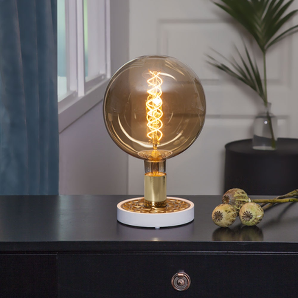 Tischlampe für E27 Leuchtmittel in Weiß und Goldfarben 2