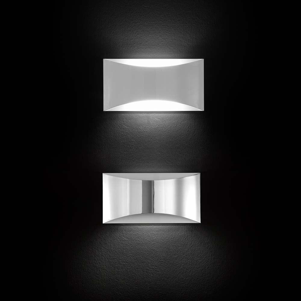 Oluce schlichte Wandlampe Kelly Chrom 2