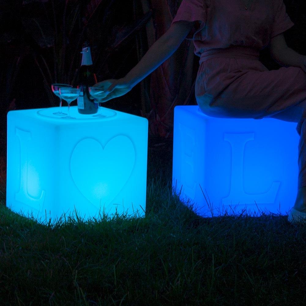 Schwimmfähiger Akku-LED-Lichtwürfel The Love thumbnail 6