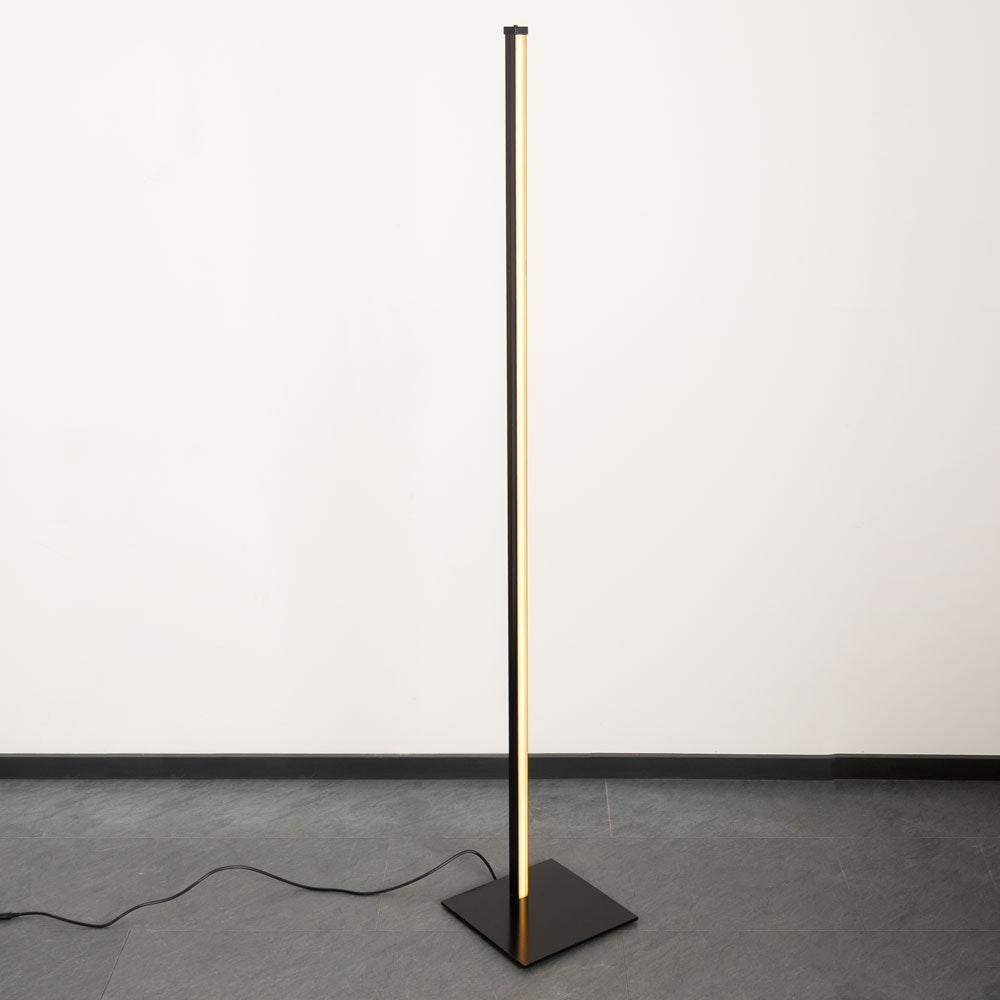 Sting Blackline hochwertige LED-Stehleuchte Warmweiss Schwarz