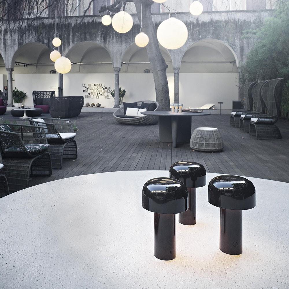 FLOS Bellhop Battery LED Akku Tischleuchte